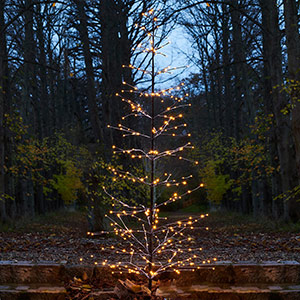 Albero a LED Isaac decorato con neve brillante